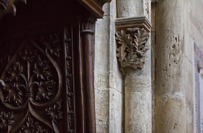 Kloster Schulpforta, Kirche. Chor, Blattkapitell und Dreisitzdetail