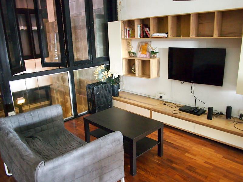 P5132473-lounge.JPG