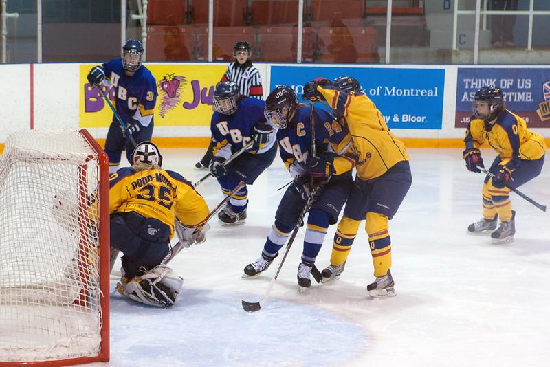 20130310 QWHockeyvsUBC 643.jpg