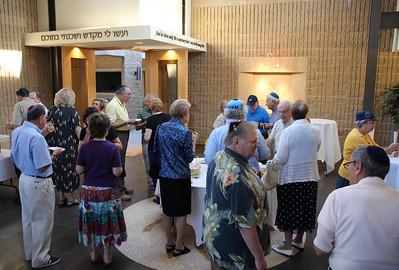 Schmooze & Food before Kabbalat Shabbat