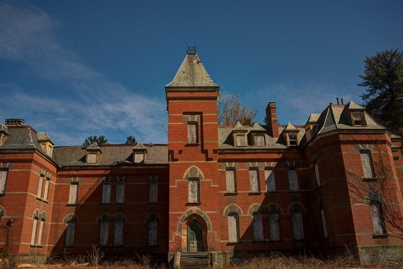 asylum mens ward.jpg