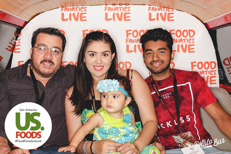 us-foods-photo-booth-226.jpg