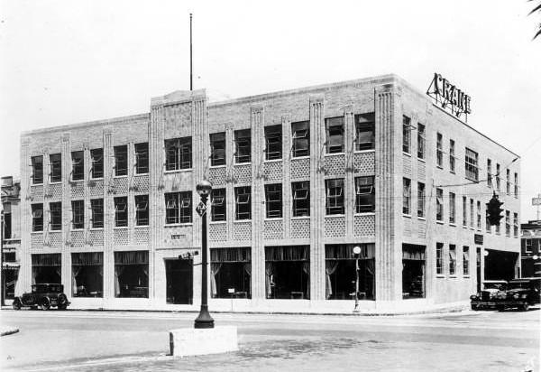 Bay - Lee Street 1921.jpg