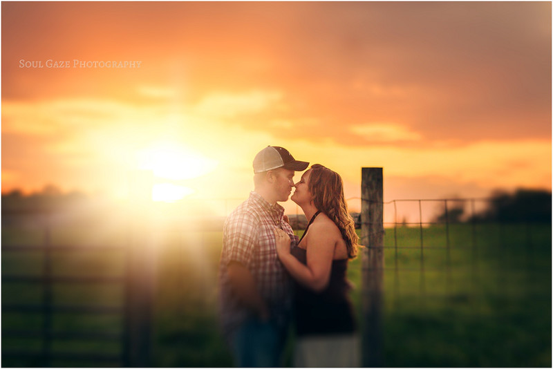 Lauren-Josh-Engagement-Session_0044.jpg