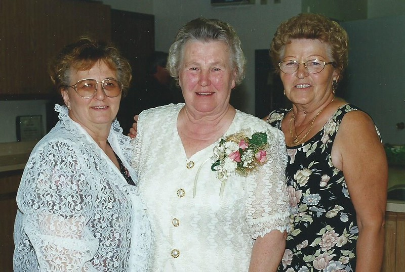 Mom and Sisters Selma and Agnes.jpg
