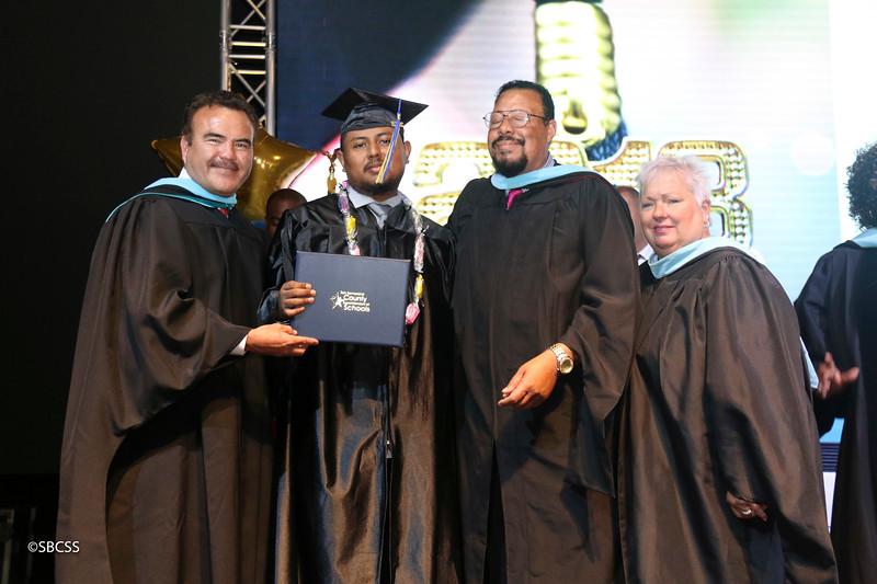 20180615_StudentServGrad-diplomas-16.jpg