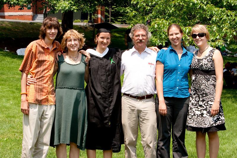 The Noyce family: Theo, Jonie, Gennie, Bill, Abby, and Molly.