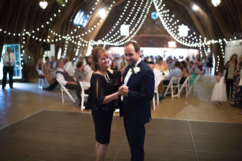 Garrett & Lisa Wedding (602).jpg