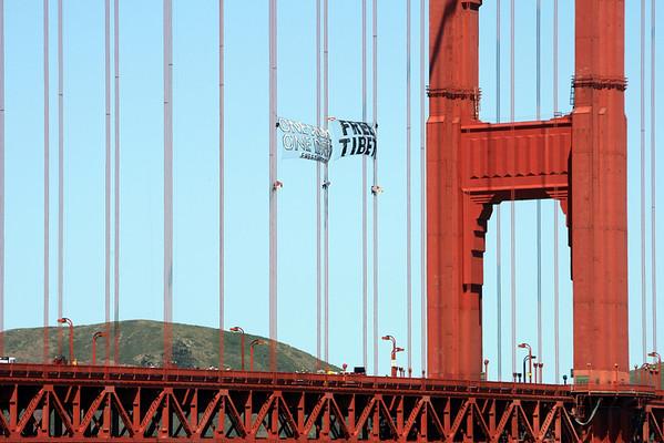 Pro-Tibet Protest on Golden Gate Bridge