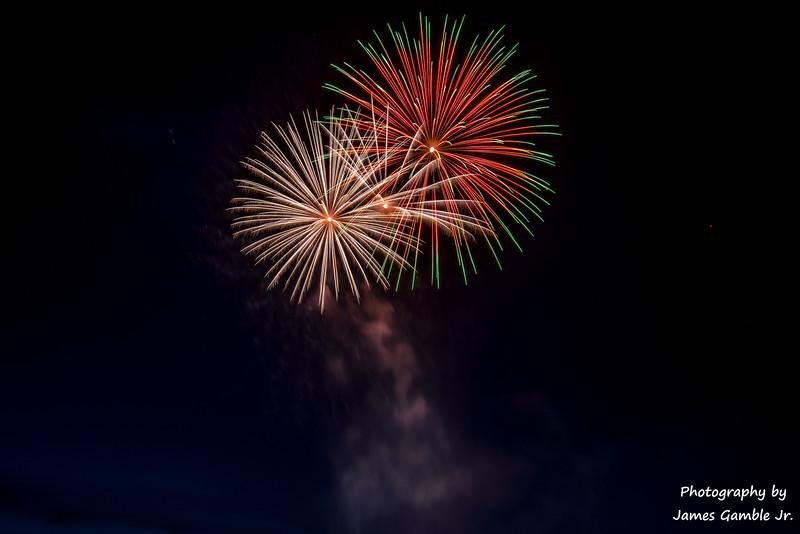 Fourth-of-July-Fireworks-2016-0326.jpg