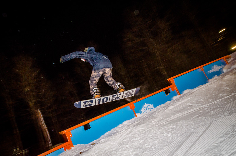 Nighttime-Rail-Jam_Snow-Trails-95.jpg