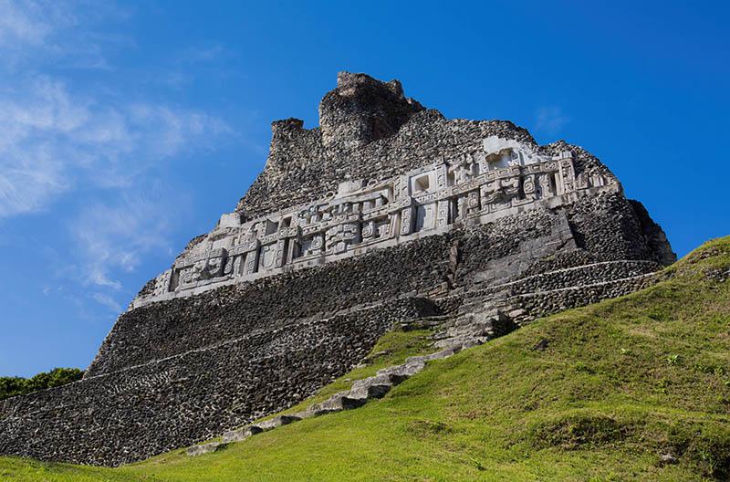 Xunantunich-Belize-horesback-riding-12.jpg