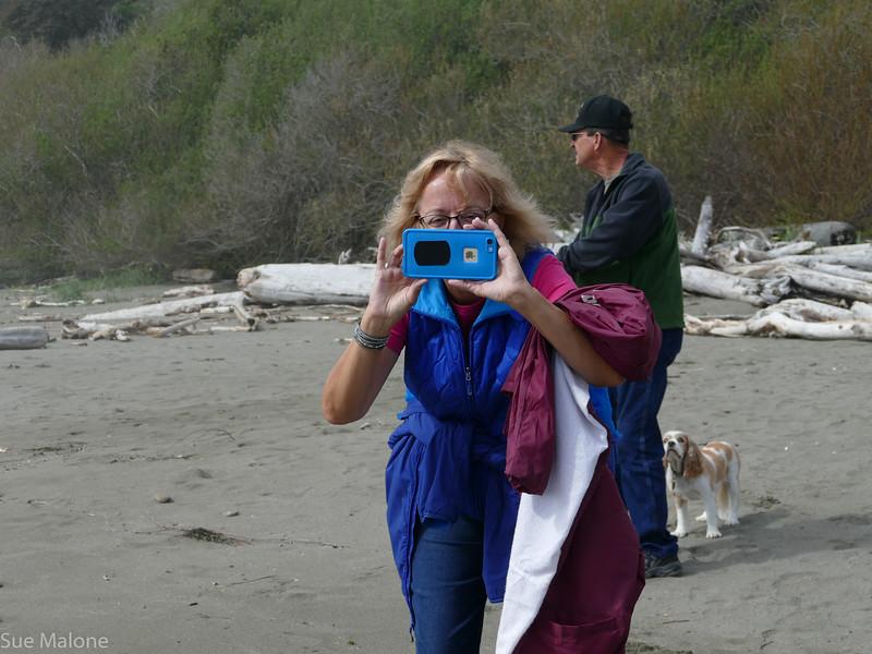 Walking on Harris Beach (6 of 24).jpg