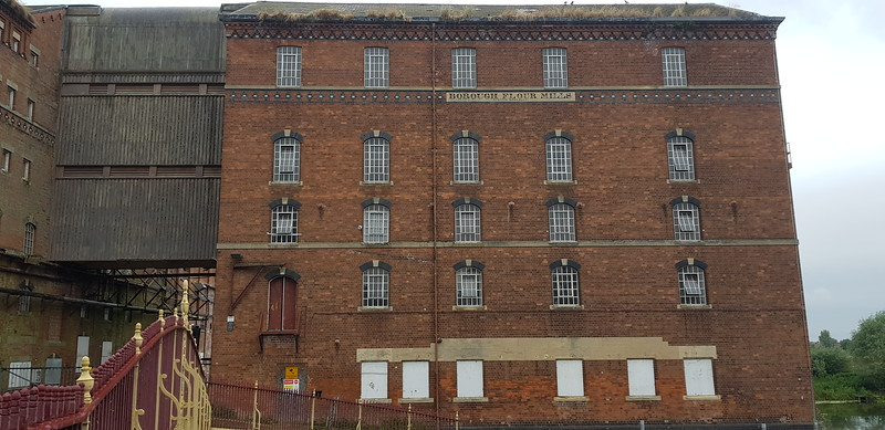 Built for Samuel Healing in 1865,grain was brought here from Avonmouth.