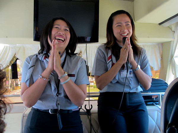"""Our Thai tour guides sing the """"Elephant Song"""" Chang Chang Chang.    See http://www.youtube.com/watch?v=rpXKxhsyaug&feature=related for the song sung and a delightful cartoon.  chaang chaan chaang chaang chaang nuu khuey hen chaang ryplau chaang man tua too mai bau zamuug jau jau, riek vaa nguan song khio taai nguan, riek vaa ngaa mii huu mii taa hang jaau"""