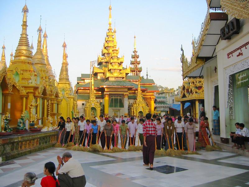 Burma 2003-61.jpg