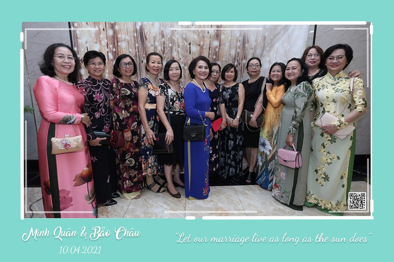 QC-wedding-instant-print-photobooth-Chup-hinh-lay-lien-in-anh-lay-ngay-Tiec-cuoi-WefieBox-Photobooth-Vietnam-cho-thue-photo-booth-066.jpg