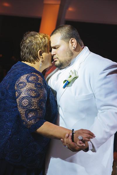 MER__0948_tonya_josh_new jerrsey wedding photography.jpg