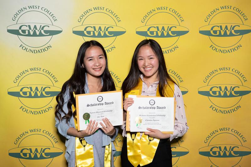 Scholarships-Awards-2019-0721.jpg