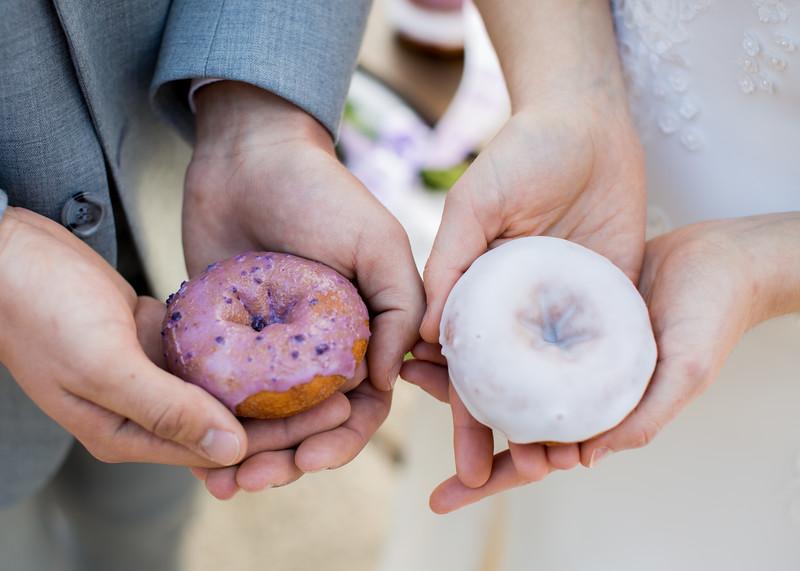 Donut wedding inspiration, Duck Donuts Knoxville at Gallaher Bend wedding venue by Everbright Photography