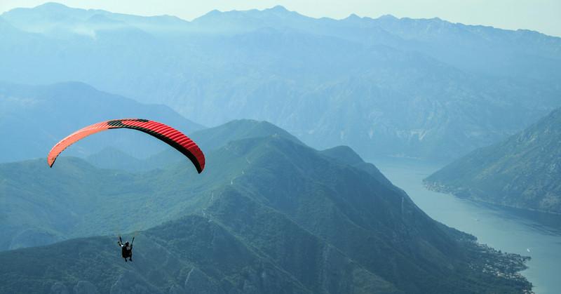 Parasailing Montenegro.jpg