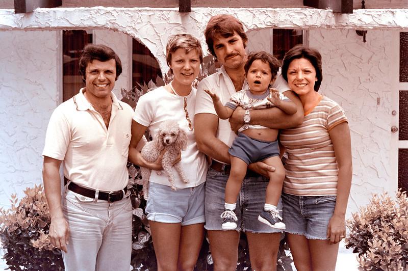 1976-9-12 #4 Dianna & Steve In Florida.jpg
