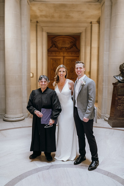 2018-10-04_ROEDER_EdMeredith_SFcityhall_Wedding_CARD1_0227.jpg