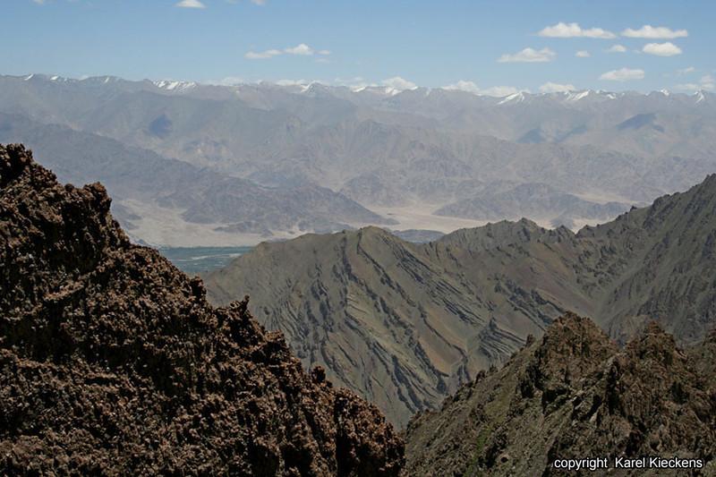L.02.Spituk-Stok trek_020.Indusvallei vanop Stok La.jpg