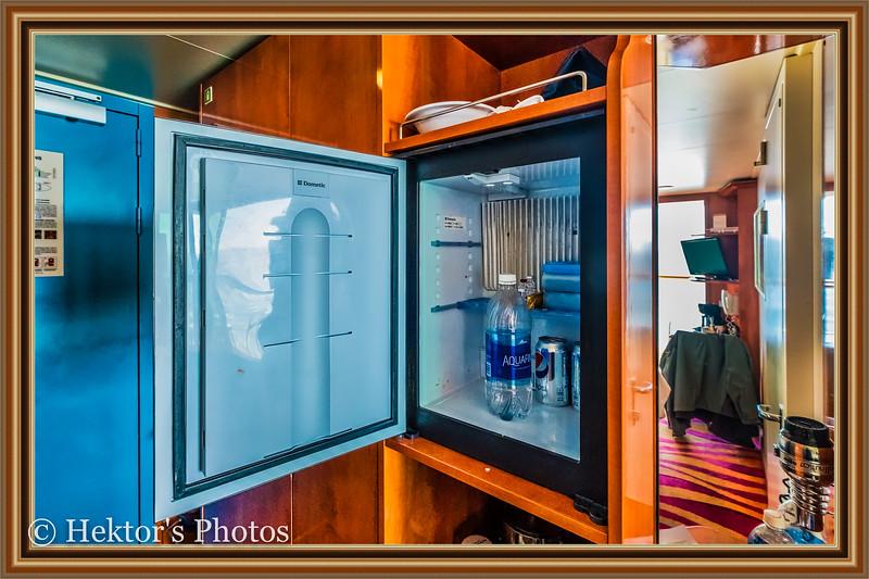 Stateroom 10024-8.jpg