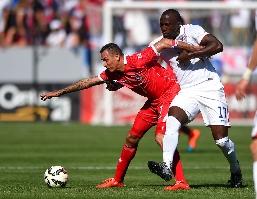 . Panama�s Blas Perez, left, tries to keep USA�s Jozy Altidore from the ball at the StubHub Center in Carson, CA on Sunday, February 8, 2015. US men\'s national team vs Panama in an international friendly soccer match. 1st half. (Photo by Scott Varley, Daily Breeze)