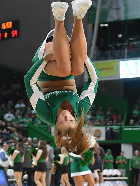 cheerleaders8795.jpg