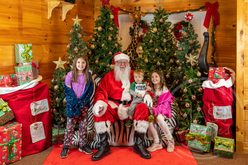 2019-12-01 Santa at the Zoo-7591.jpg