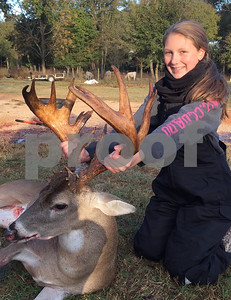 young-hunters-first-buck-makes-a-surprise-visit-to-the-stand