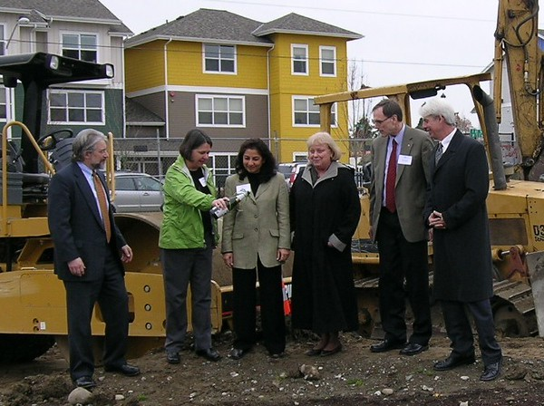 YWCA Groundbreaking 11-28-2007 No4.JPG