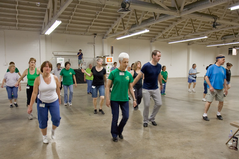 5654 Dancers med.jpg