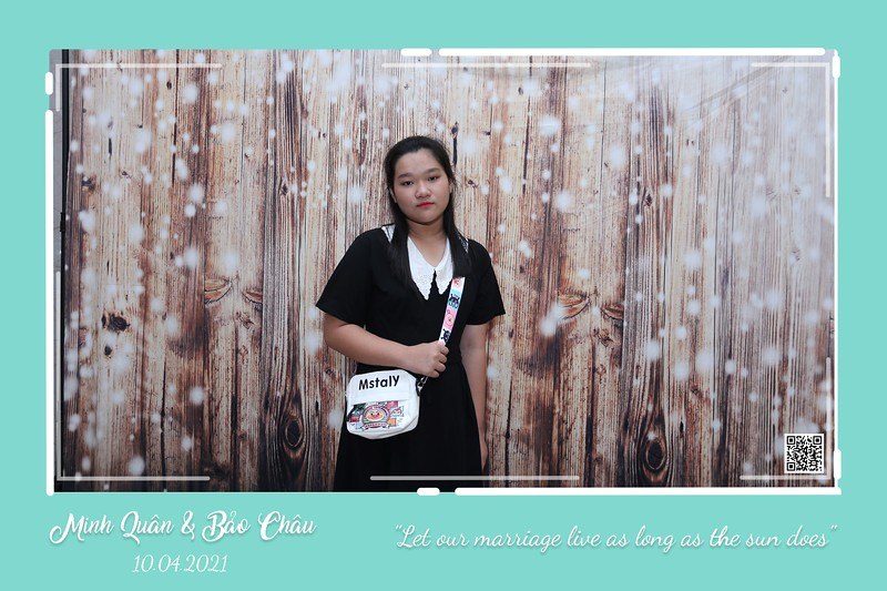QC-wedding-instant-print-photobooth-Chup-hinh-lay-lien-in-anh-lay-ngay-Tiec-cuoi-WefieBox-Photobooth-Vietnam-cho-thue-photo-booth-010.jpg