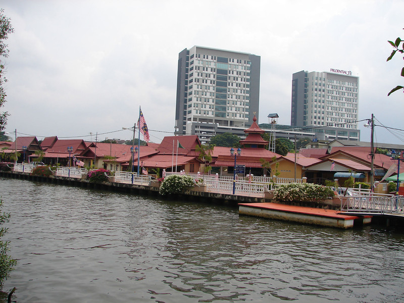 On our river walk with Historian Arhchoo in Malacca (3).JPG