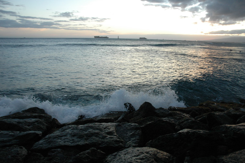 Hawaii - Ala Moana Beach Sunset-98.JPG