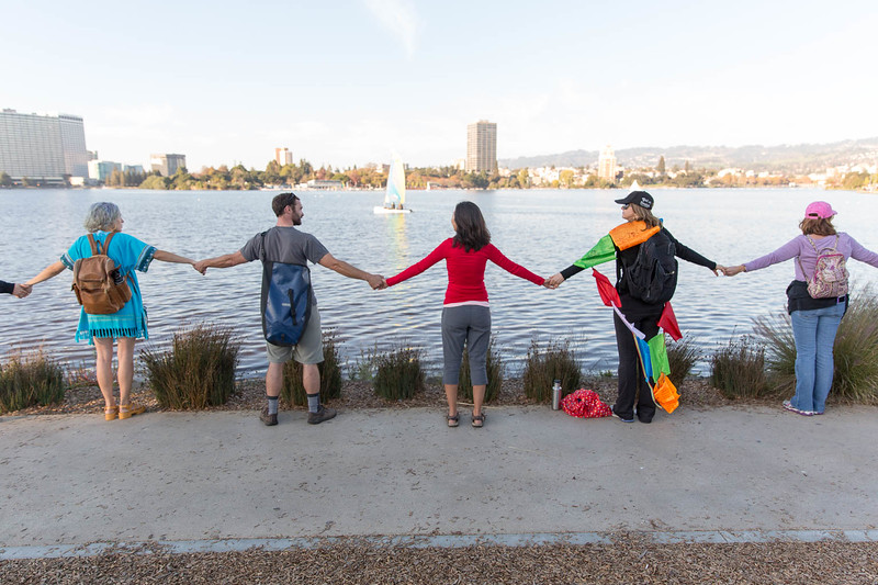 20161113 - 974C6403 -Hands Around Lake Merritt #HandsAroundLakeMerritt - photographed by Sam Breach 2016 - 1080 short edge.jpg