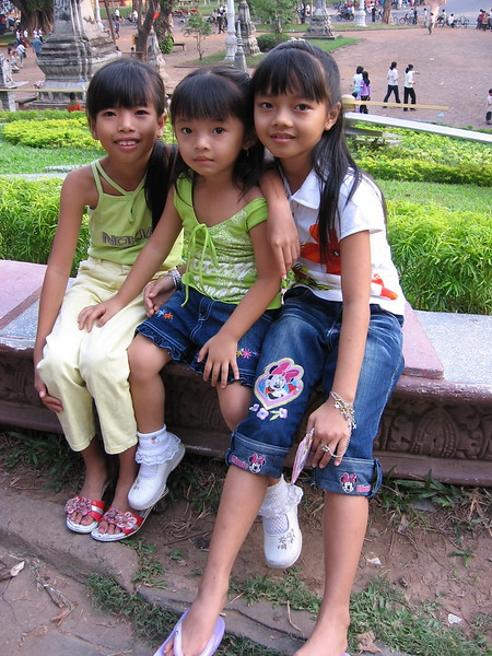 Locals at Wat Phnom