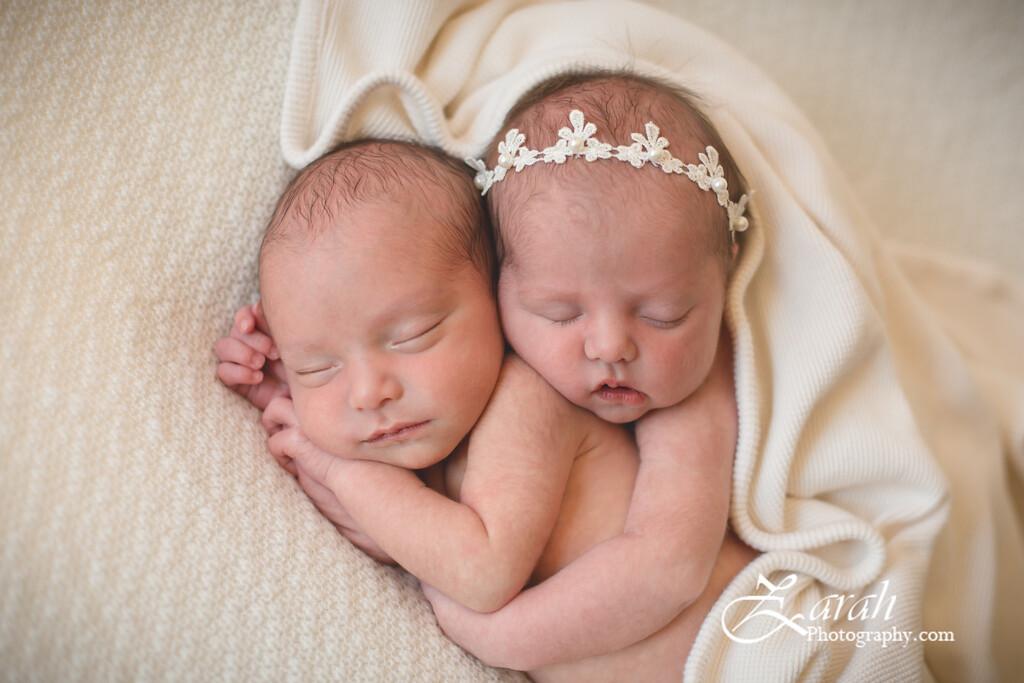Twins#2-4902