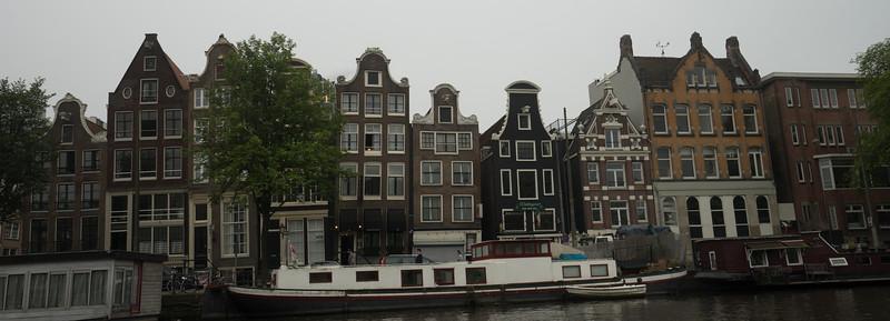 09-17-16 DSC01174 Amsterdam Along walk.jpg