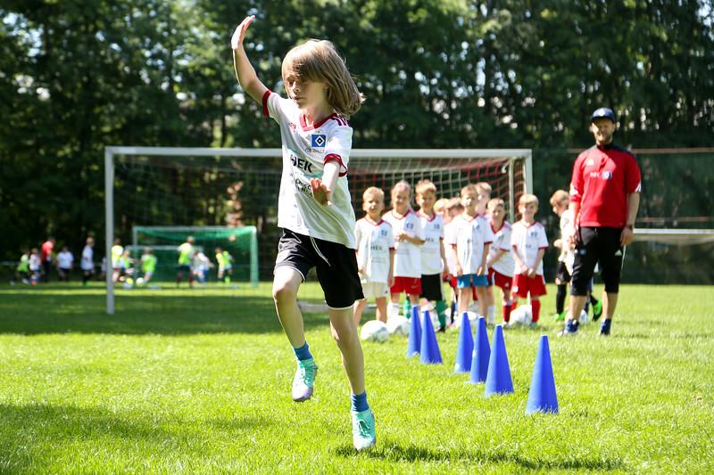 hsv_fussballschule-399_48047986113_o.jpg