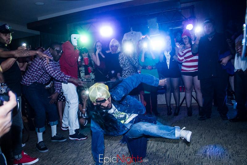 103013 Halloween Suite Party-7068.jpg