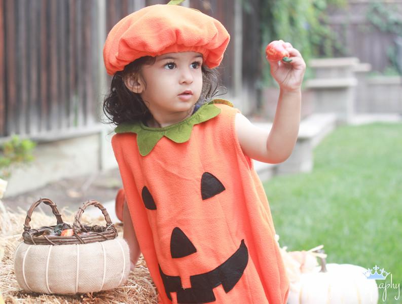 Ameya.Halloween.1.2015.jpg