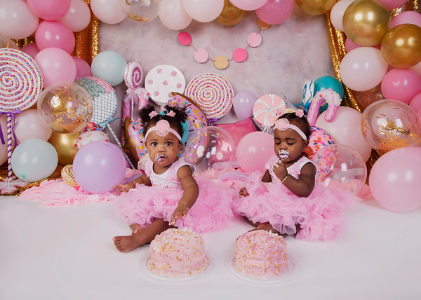 Zoey & Zayla (1 years old) 2020