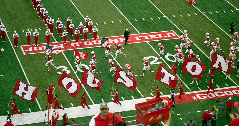 .. and the Cougars take the field.