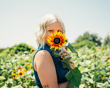 Brittany Ford, Sunflower field 2019
