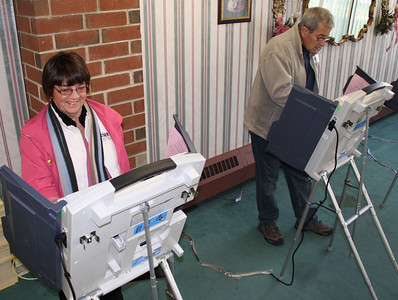 Voting, Tamaqua (11-8-2011)