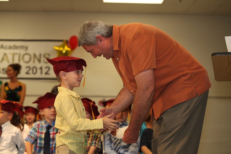 2012May18_MTA Kinder Grad_9704.JPG